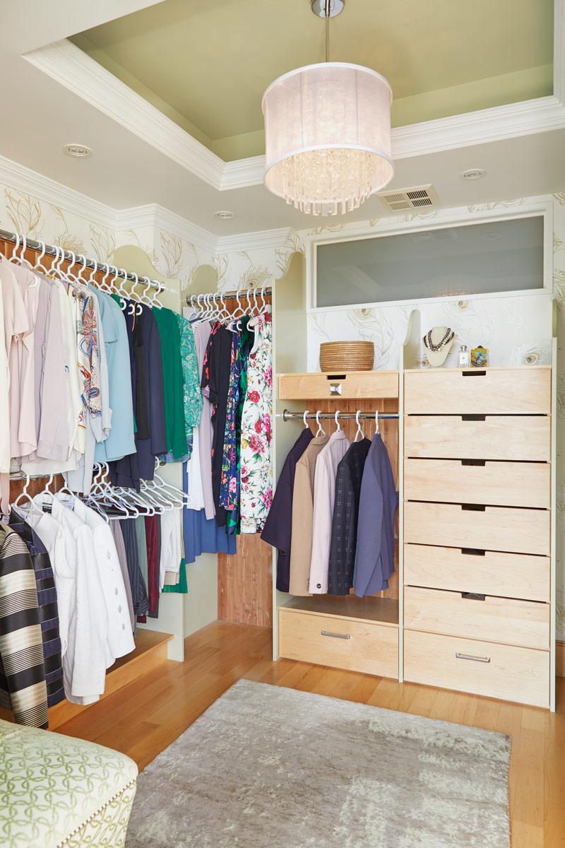 Riviera Walk-in Closet